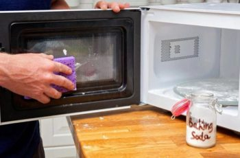 How to Clean Microwave with Baking Soda