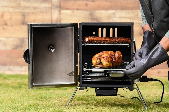 How to Use an Electric Smoker
