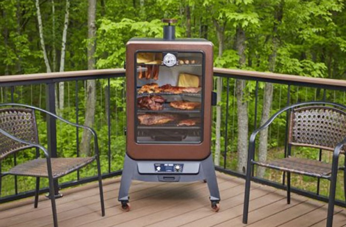 Can You Use an Electric Smoker in The Rain